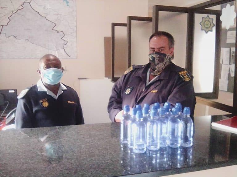 AfriForum se Hertzogville-tak skenk handreiniger