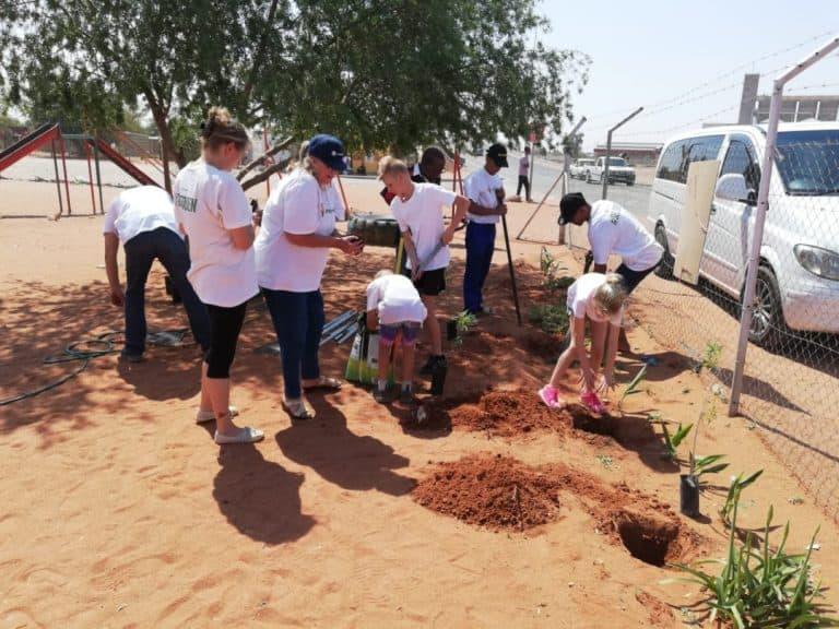 Boomplantmaand: AfriForum se Upington-tak dra by tot 'n groener toekoms