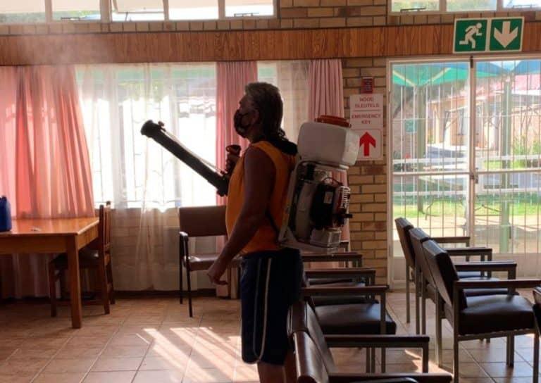 AfriForum se Bloemhof-tak ontsmet tehuis vir bejaardes