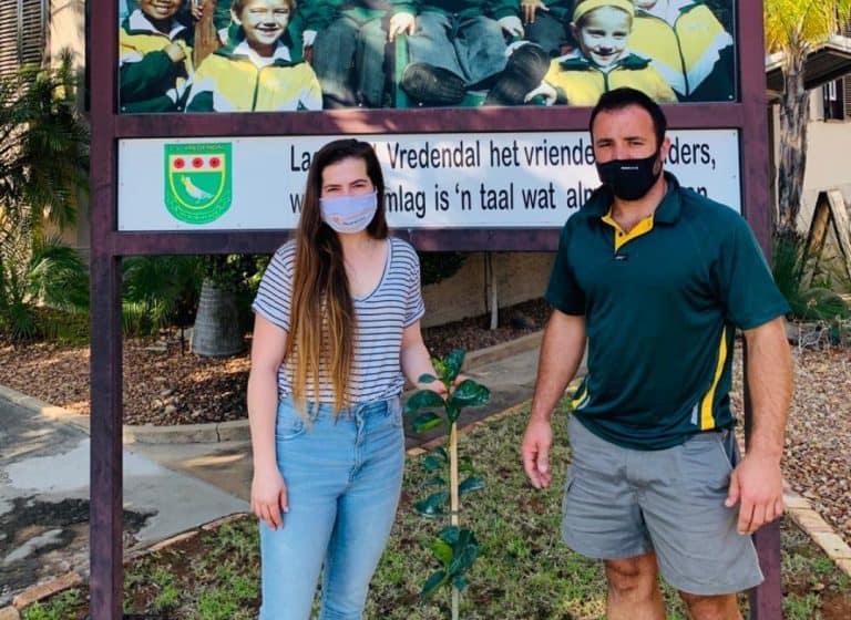 AfriForum vier boomplantmaand in Vredendal saam met skole
