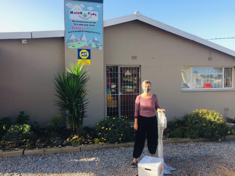 #AfriForumStaanSaam vir Skole: George-tak skenk hulppakkette aan kleuterskole