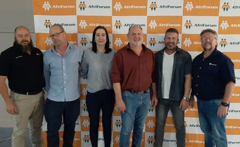 AfriForum stig die Kamdeboo-tak in Graaff-Reinet