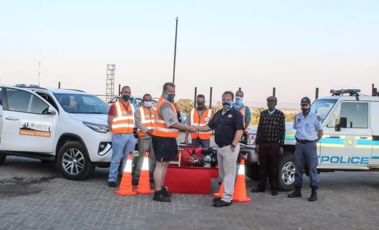 AfriForum-buurtwag in Hartbeesfontein ontvang vuurbestryder van Supa Ginja