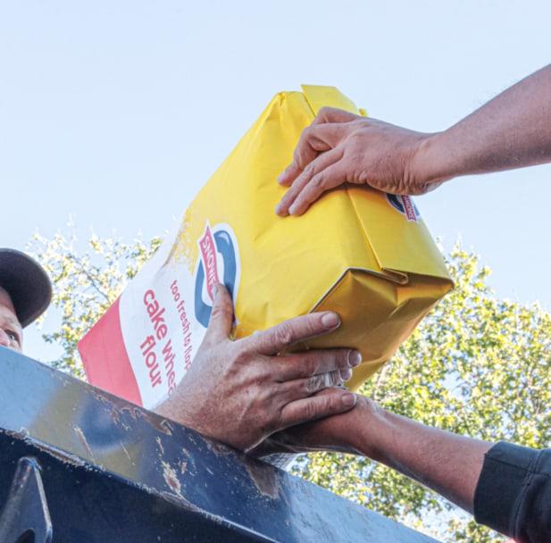 AfriForum se Williston-tak skenk kos en handreiniger
