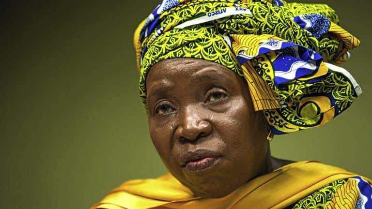 Oorwinning: Dlamini-Zuma se gedwonge kwarantynregulasies geskrap
