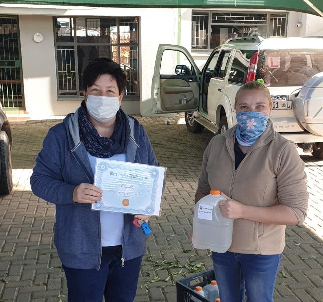 AfriForum se Pietersburg-tak deel handreiniger uit