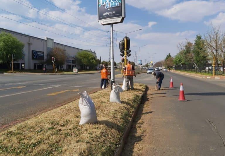 Gemeenskap gryp in om verval in Potchefstroom te stuit