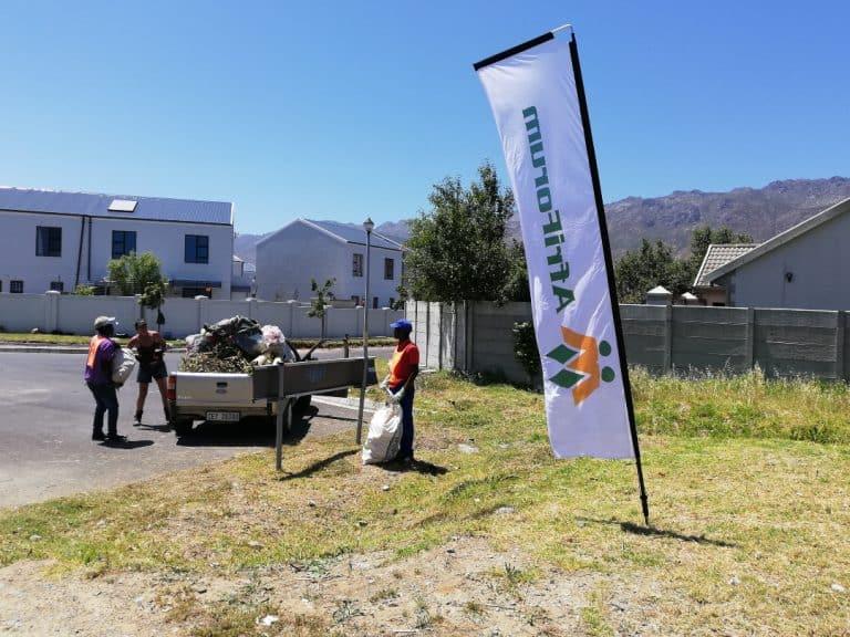 #OnsDorp-veldtog: AfriForum se Helderbergkom-tak hou skoonmaakaksie in Gordonsbaai