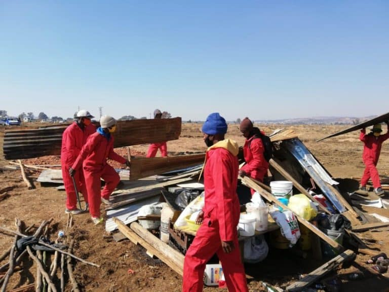 Success: AfriForum assists community in removing illegal land grabbers