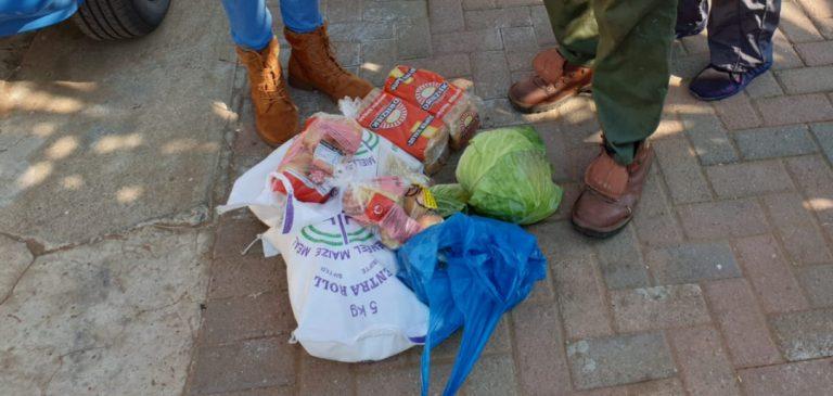 AfriForum se Welkom-tak skenk voedselpakke aan gesinne in nood