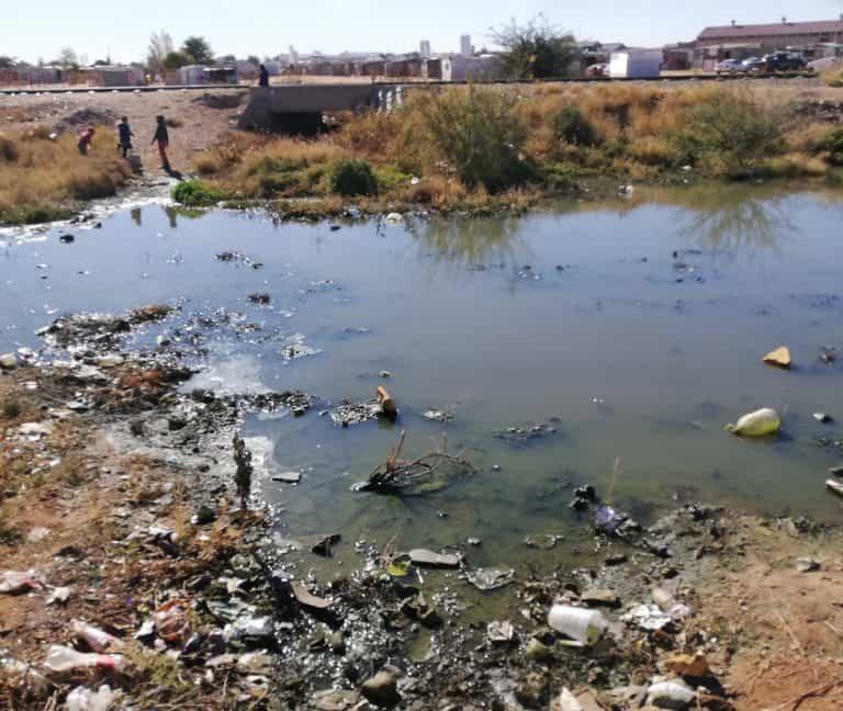 AfriForum plaas druk op Dawid Kruiper Plaaslike Munisipaliteit oor rioolprobleem in Upington