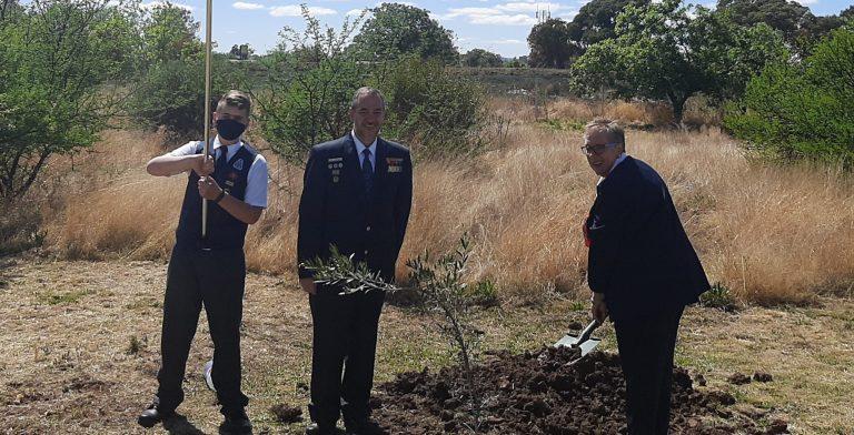AfriForum se Bloemfontein-takke skenk bome aan Voortrekkers