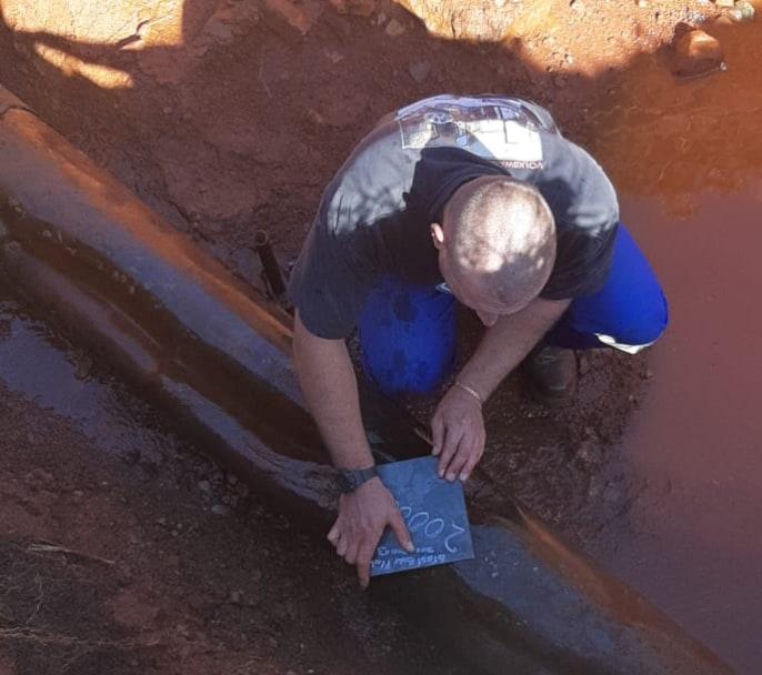 AfriForum se Westonaria-tak herstel lekkende waterpyp
