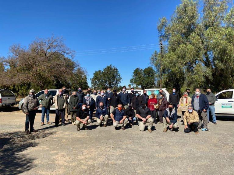 Kyk: Covid-19-taakspan voed tientalle behoeftige gesinne in Coligny