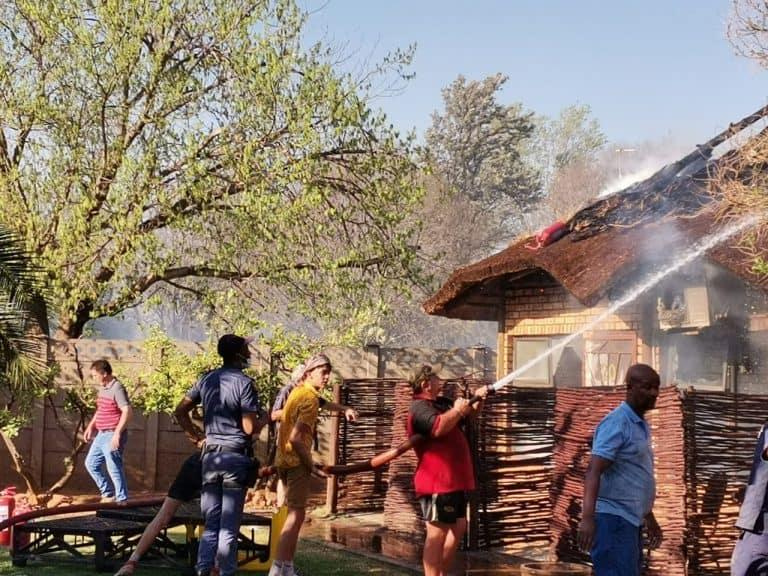 AfriForum se Kuruman-buurtwag tree blitsig op om brand te blus