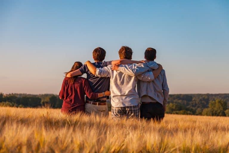 Hoe raak trauma gemeenskappe?