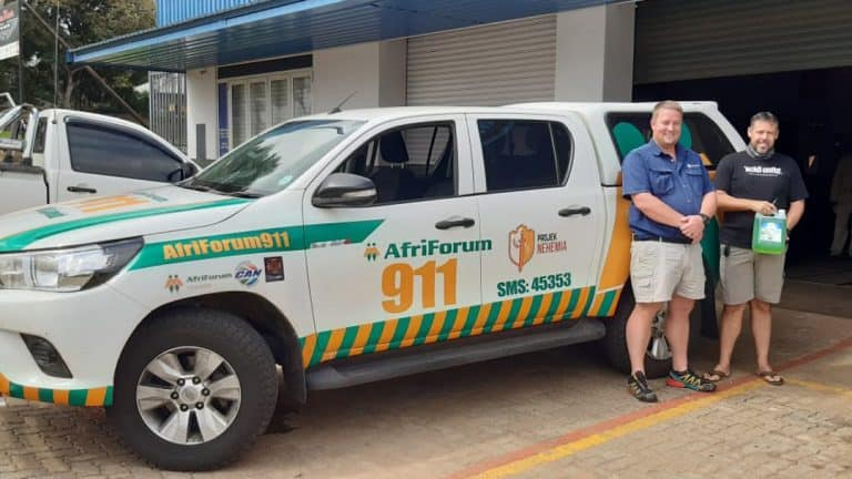 AfriForum se Hoëveld-takke in Mpumalanga ontvang handreiniger en gesigmaskers