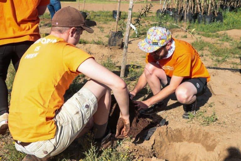 AfriForum-takke gaan honderde bome tydens Septembermaand plant