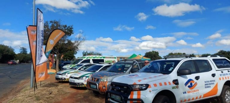 KYK: BLOEMFONTEIN SKONER NA AFRIFORUM-TAKKE #VEGENBOU-WEEK MET MASSA VULLISVERWYDERINGSPROJEK AFSKOP