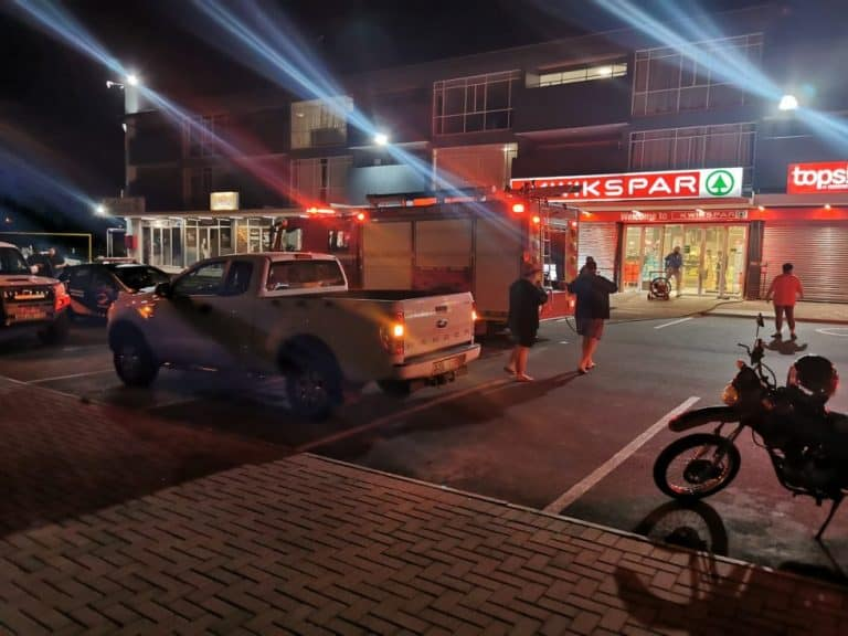 AfriForum se Wilgehof-buurtwag bestry brand by winkelkompleks