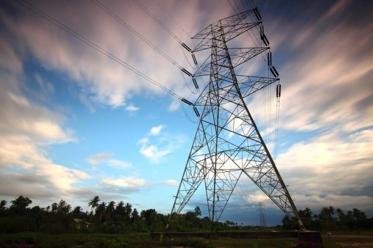 AFRIFORUM CALLS ON MANTASHE TO RATIFY NEW LIMIT ON PRIVATE POWER GENERATION