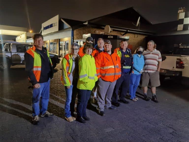 AfriForum se Middelburg-buurtwag help met waterverspreiding