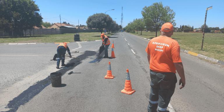AfriForum se Standerton-tak help om straat te herstel